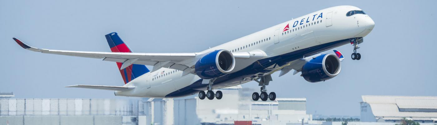delta A350 taking off