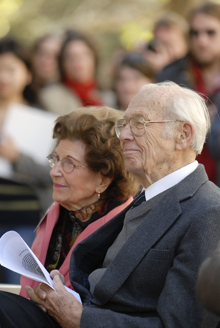 Katharine Stewart Schlinger and Warren G. Schlinger at the 2010 dedication of Caltech's Warren and Katharine Schlinger Laboratory for Chemistry and Chemical Engineering