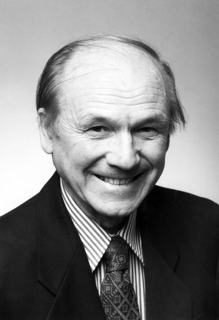photo of Anatol Roshko in 1996