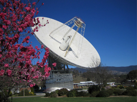 The 70-meter radio dish in Australia