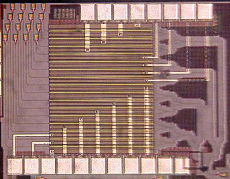 An image of Hajimiri's light-bending silicon chip.