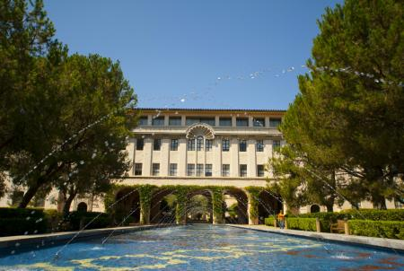 photo of the Beckman Institute at Caltech