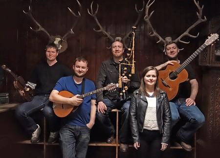 photo of Scottish group Dàimh