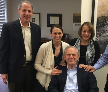 John Bryson (center), his daughter Kathleen (center left), and wife, Louise (center right), during a Caltech campus visit with President Thomas F. Rosenbaum, Sonja and William Davidow Presidential Chair and Professor of Physics (left), and Nate Lewis, Geo