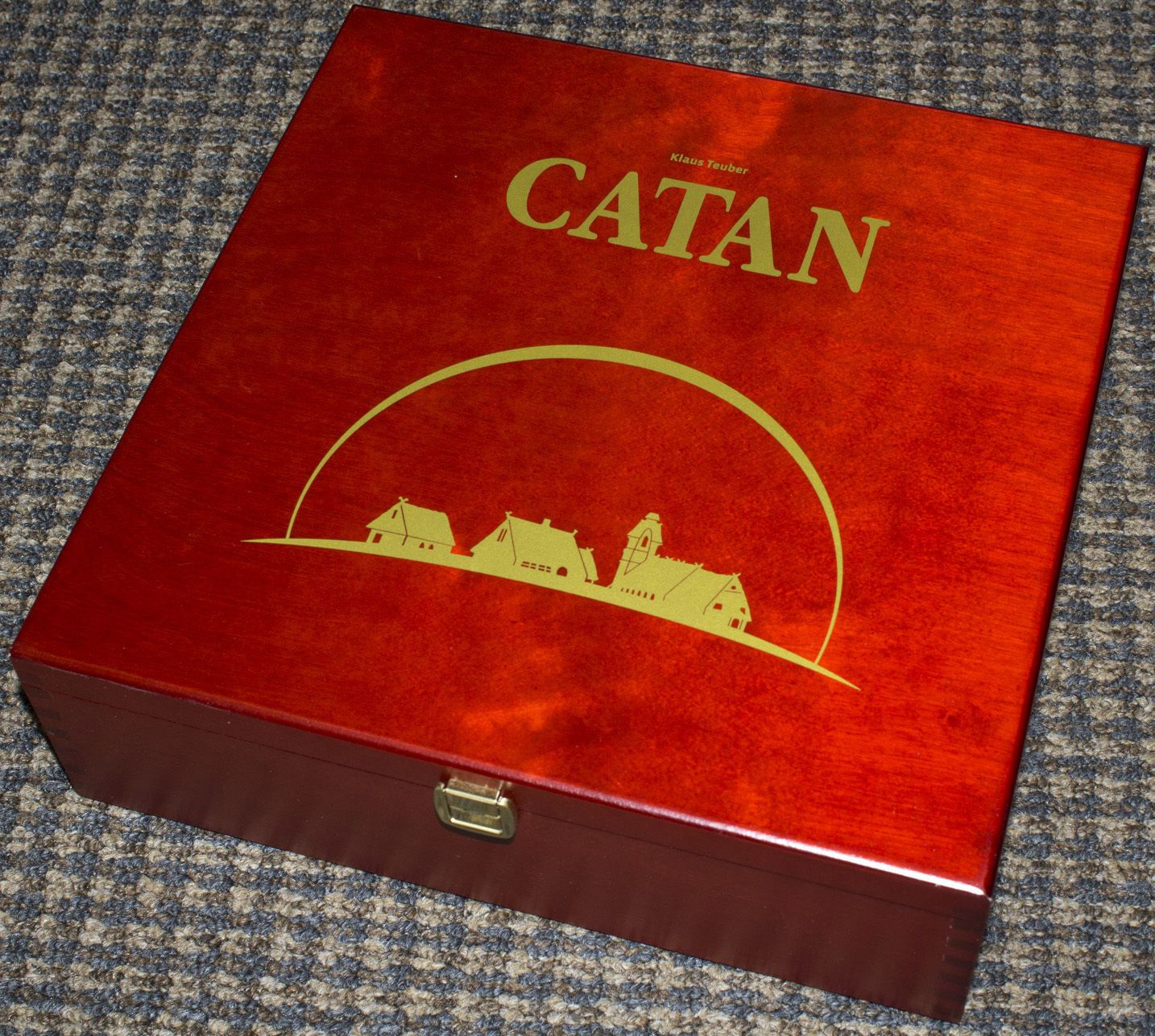 The Settlers of Catan  (containing 5/6 player expansion)