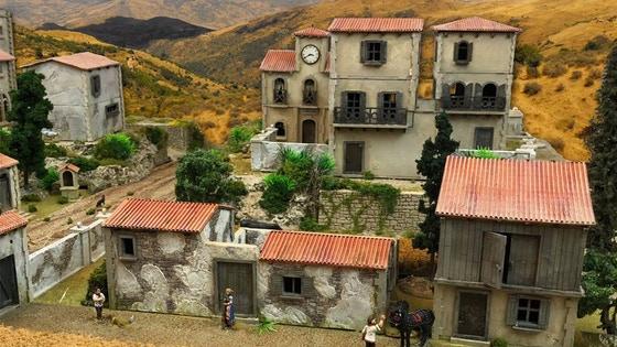 Mediterranean Village, 28mm, laser-cut HDF terrain