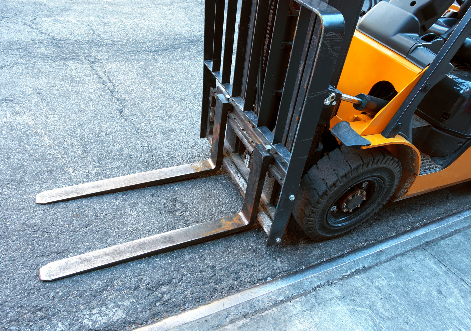 18 Important Forklift Statistics for 2020