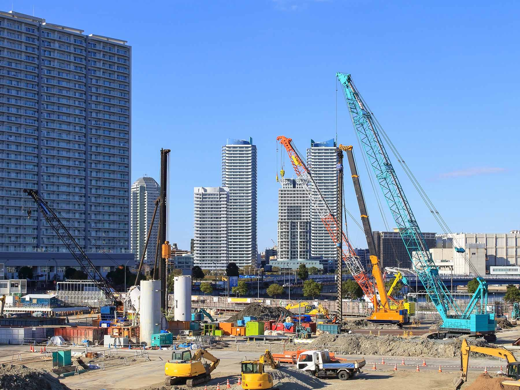 11 Types of Cranes You Need to Know About In Construction