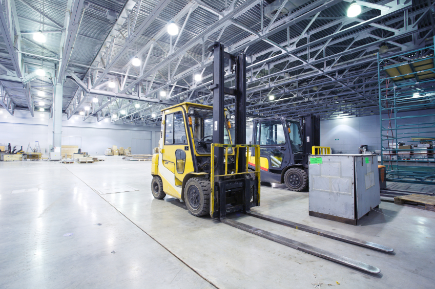 Top 5 safety tips to keep in mind while operating a forklift