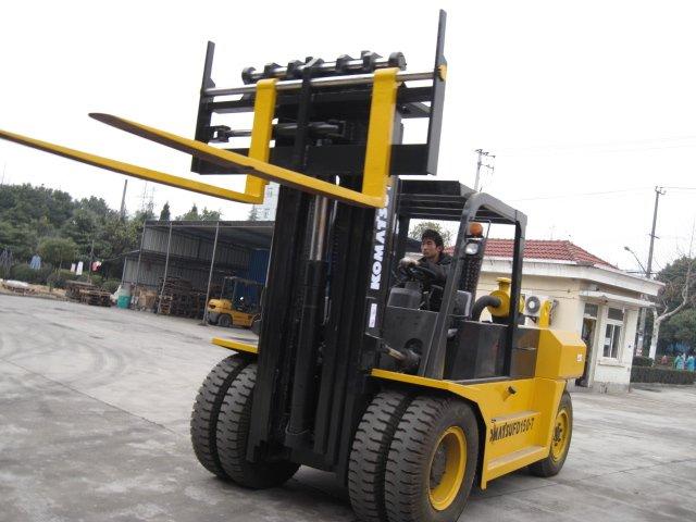 Cushion Tire Forklift: 36k Lb Load Capacity