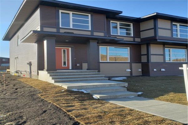 447 Savanna BV NE, Calgary