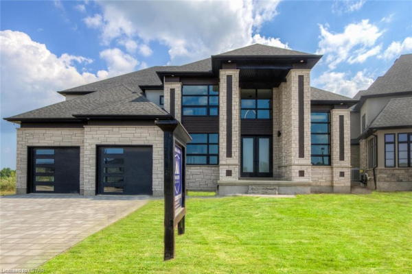 7566 SILVER CREEK Crescent, London