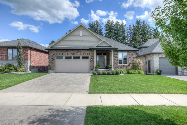 681 BENNETT Crescent N, Mount Brydges