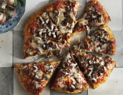 Mushroom & Olive Pizza