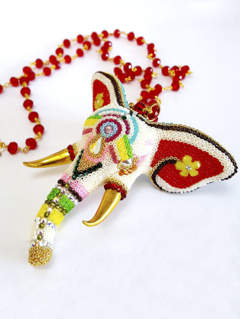 AM Elephant red