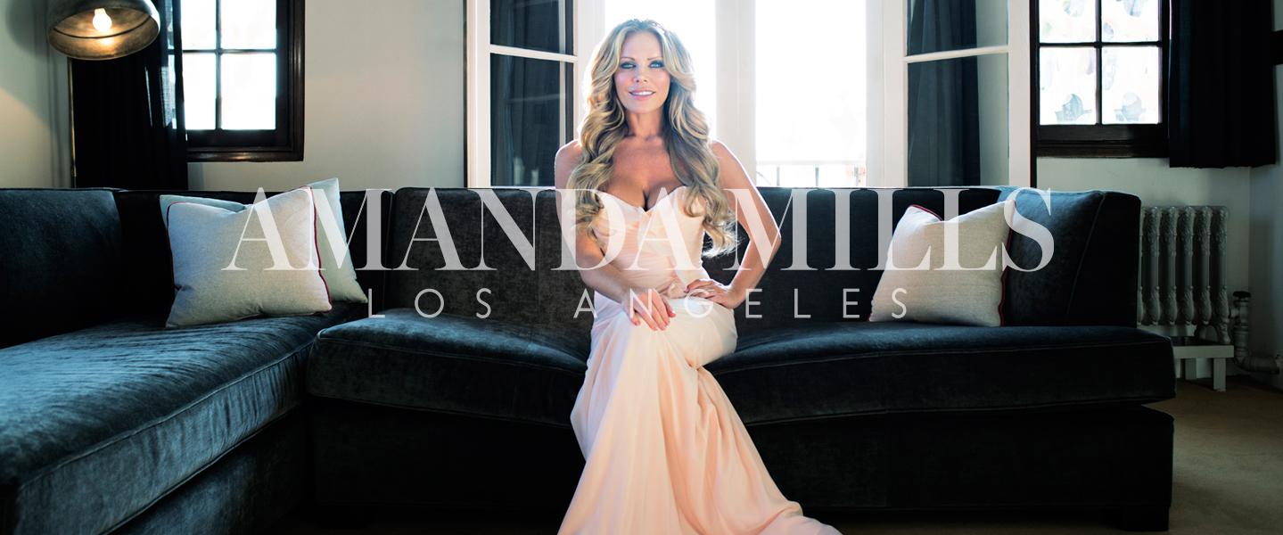 Amanda Mills Los Angeles living room Photo shoot