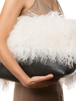 Marie Turnor Grand Faux Fur Clutch -amla