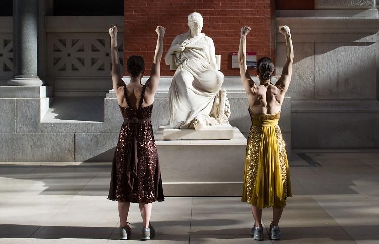 Metropolitan Museum of Art-NYC Hottest Workout Spot?- amanda mills la