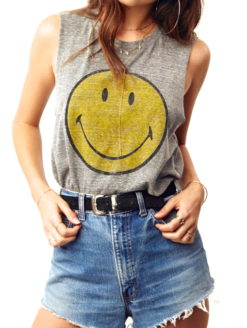 Smiley Face Distressed Grey Graphic Tee - daydreamer