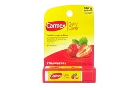 Carmex, العناية اليومية، بلسم مرطب للشفاه بنكهة الفراولة معامل وقاية من الشمس
