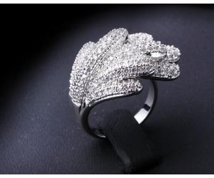 خاتم كلاسيكي مطلي ذهبي عيار ١٨ تصميم عالمي