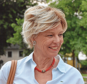 Christa Layr