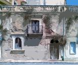 vecchia casa in abbandono