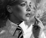 Fiftys Smoking Girl