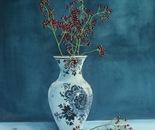 Delftware and berries
