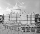 Christo soffoca gli avidi del Tempio... (Christo suffocates Temple of the greedy), 2013