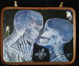 Kiss in a suitcase