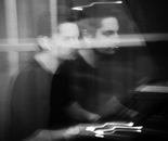 Mike Karagozian au piano