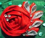Spilla Rosa Rossa di nastro e perline