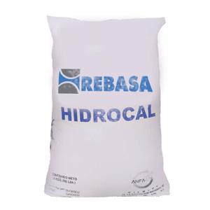 El oxido de calcio, también conocido como cal viva es un producto químico resultante de la calcinación de piedra caliza (carbonato de calcio); el cual al ser hidratado se convierte en hidróxido de calcio.