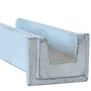 Pieza de desagüe sobresaliente por la que se proyecta el agua de la vertical del muro de la fachada. Medidas: Largo 51cm, ancho 12cm, altura 9cm, ancho de vista 15cm.