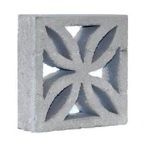 Son módulos ornamentales en cemento expuesto de fino acabado, elementos decorativos y vistosos que ayudan a nivelar la cantidad de luz y asegurar un adecuado confort térmico interior. MEDIDA 30X30X9