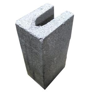 El Block U es una pieza de las mismas dimensiones que el Block Estándar, pero con un espacio al centro y en toda su longitud, que le permite recibir el vaciado de concreto.                                      Medida de Resistencia mínima a ruptura Mayor de 80 kg/cm²             Peso 16.71Kg, Largo 39.5cm, Ancho 14.5cm, 19.5cm.