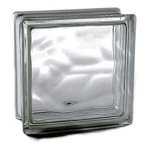 Los bloques de vidrio permiten el paso de la luz natural a través de ellos,  lo que significa mayor luminosidad para nuestra vivienda. Otra de las grandes ventajas es el aislamiento acústico y térmico gracias a la cámara de aire existente en su interior. Muestran gran resistencia a las temperaturas altas y a los factores atmosféricos, manteniéndose en buen estado a lo largo del tiempo. Peso por unidad es de 2.250 kg , Redimiento  25pza por M²