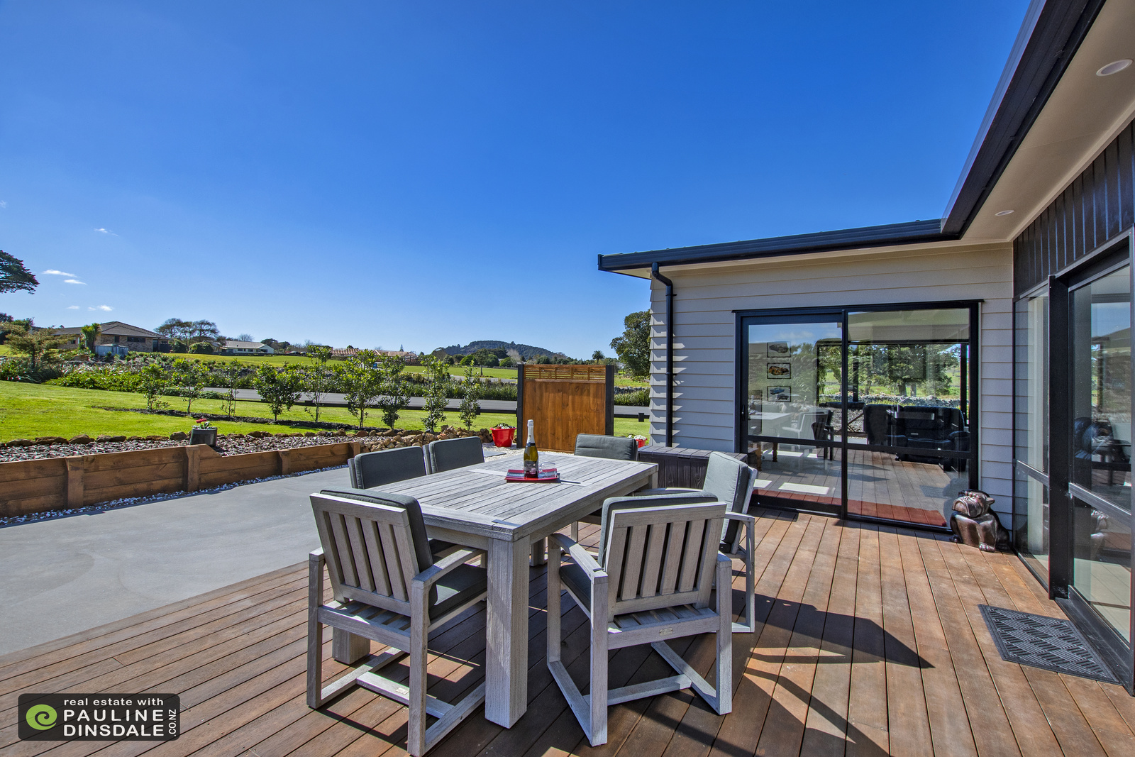 Entertainers Delight - Karanui Estate