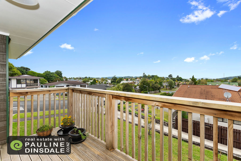 Buyers over $440,000 - Funky townhouse