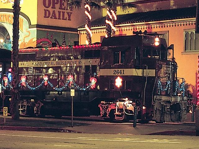 santa cruz holiday lights train santa cruz waves