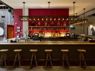 Searsucker-TX-side-of-bar
