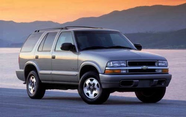 2001 CHEVROLET BLAZER 4.3 4WD STD SD AT 3P