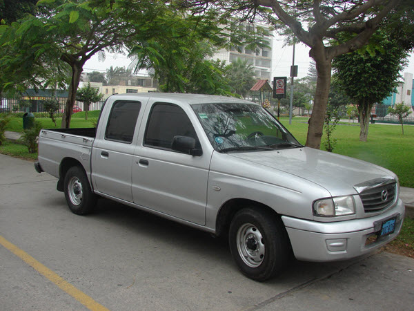 MAZDA B2900 2003