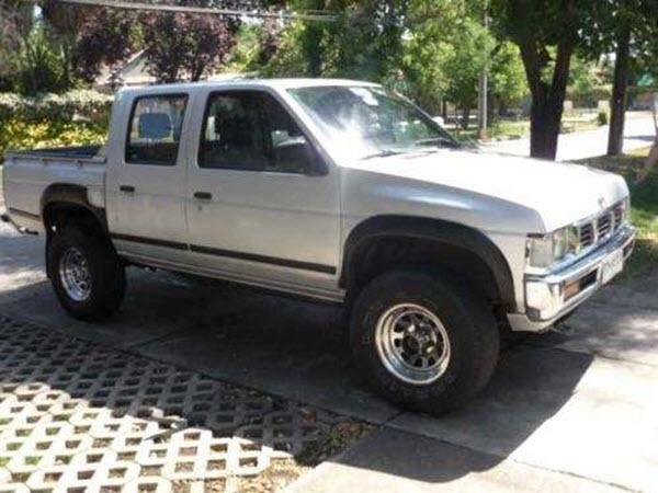 2003 NISSAN D21 2.4 4WD STD MT 4P