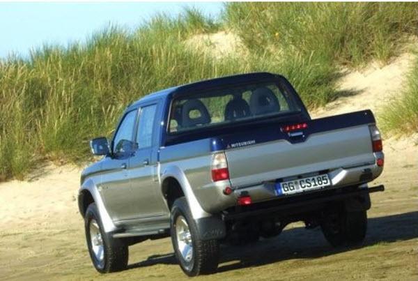 2005 MITSUBISHI L200 2.4 GLX 4WD MT 4P