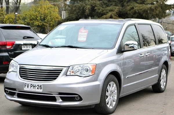 CHRYSLER GRAND TOWN & COUNTRY 2015