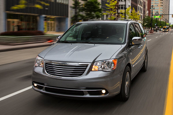 CHRYSLER GRAND TOWN & COUNTRY 2016