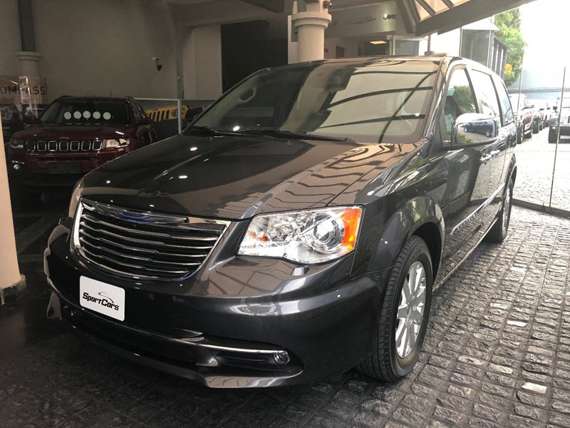 CHRYSLER GRAND TOWN & COUNTRY 2018