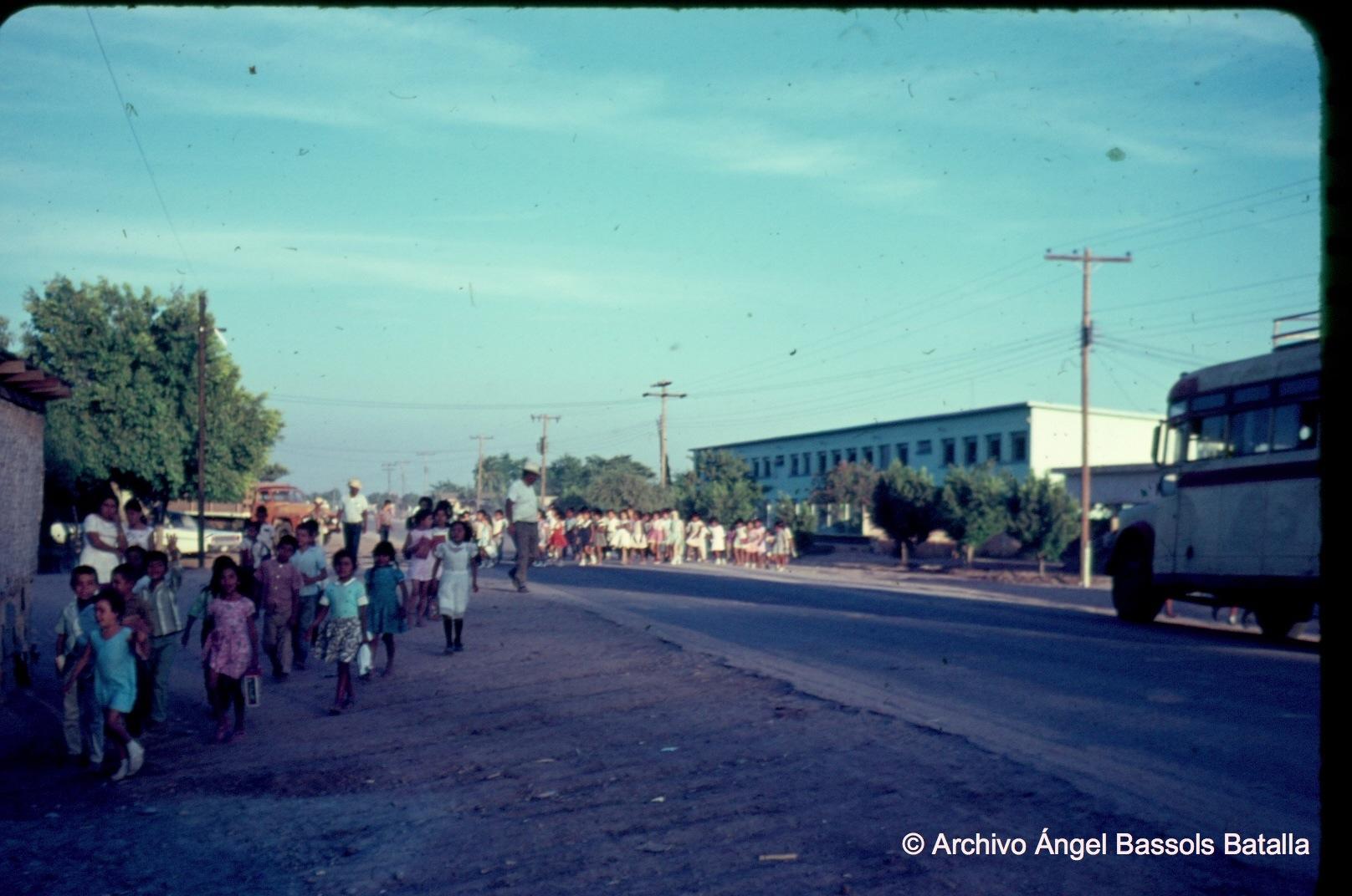 Niños de escuela en Quetchehueca